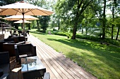 Benitzer hotel with terrace and garden overlooking Great Lake