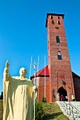 Polen: Ermland-Masuren, Mikolajki, Parafia Sw. Mikolaja, Kirchturm