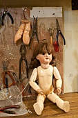 Doll in Puppendoktor Pontifex Kramer, Reestraat, Amsterdam, Netherlands