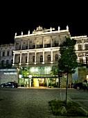 """Außenansicht, Fassade, nachts, """"Hotel Residenz Palais Coburg"""", Wien"""