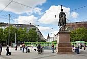 Hannover, Ernst-August-Platz, Ernst-August-Denkmal, Hauptbahnhof