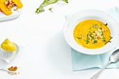 Pumpkin soup with apples and curry