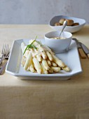 White asparagus with potatoes and Bearnaise sauce