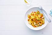 Abnehmen, Gemüsetopf mit Nudeln und Linsen