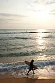 Sri Lanka, Hikkaduwa, Strand, Surfer Indischer Ozean, Abendsonne