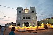 Sri Lanka, Galle Fort, Meera-Moschee abends, Lichter