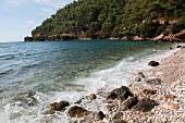 Türkei, Türkische Ägäis, Golf von Gökova, Bucht bei Akyaka, Steine