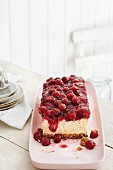 Cheesecake mit Kirsch-Haube