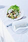 Gnocchisalat mit Pilzen, Endiviensalat & Rucoladressing