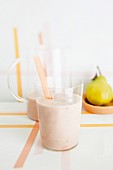 A pear shake with grapefruit