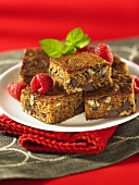 Blechkuchen mit Chocolate Chips und Nüssen