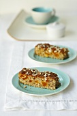 Wholemeal apricot cake with sunflower seeds