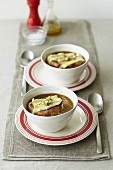 Onion soup with bread and cheese, au gratin