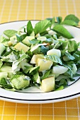 Cucumber and ground elder salad with Apple