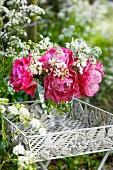 Tulpen der Sorte Double Sugar in Vase