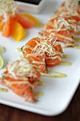 Salmon rolls with bean sprouts