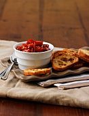 Tomato dip with toasted bread