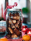 Cinnamon biscuits in a jar as a gift