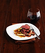 Beef steak with figs, mashed potatoes and red wine