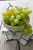 A bowl of green grapes