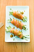 Salmon rolls with cucumber