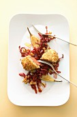 Rehfilet mit Nusskruste, Rotkohl, Birnen und Nüssen