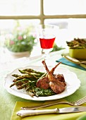 Lamb cutlets with green asparagus