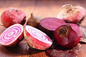 Beetroot, raw and cooked