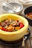 Rindergulasch mit Kürbis, Paprika und Bohnen