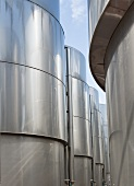 Stainless steel tanks for storing wine