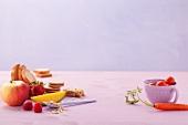Möhre, Tomaten, Haferflocken, Obst, Toastbrot