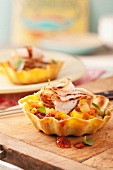 Tostadas with chicken and vegetables