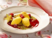 Saffron cream with fruit puree