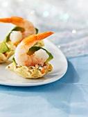 Mini-tacos with shrimp and avocado