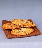 Oatmeal-nut cookies