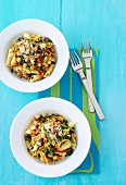 Penne with chick peas, spinach and asparagus