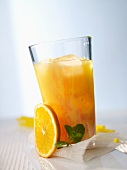Banana-orange cocktail
