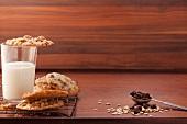 Cookies und ein Glas Milch