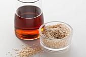 Sesame seeds and dark sesame oil