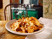 Ground beef casserole with hash browns (England)