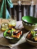 Gegrillter Räucheraal mit Sojaglasur auf Reis