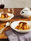Baked apple-vanilla pudding with caramelized apples