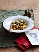 Gnocchi di zucca alla salvia (pumpkin gnocchi with sage butter)
