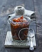Eingemachte Tomaten mit Zwiebeln