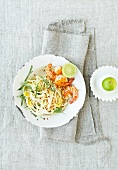 Spaghetti with king prawns and lime