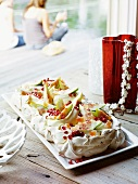 Pavlova with figs, pomegranate seed and Turkish Delight
