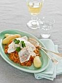 Szegediner Zander mit Sauerkraut und Kartoffeln