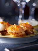 Fried scallops with citrus fruits