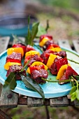 Marinated beef kebabs with peppers