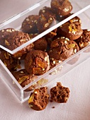 Chocolate cakes with orange zest and almonds